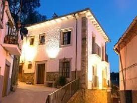 Montanchez y sus casas rurales
