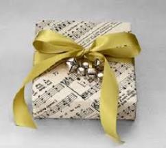 Regalar libros de papel para los más románticos